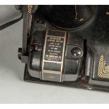Singer Featherlight Sewing Machine