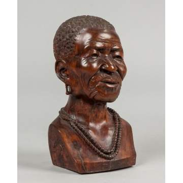 Sailas Makumba (Zimbabwe, 20th century) Carved Wood Bust of a Woman