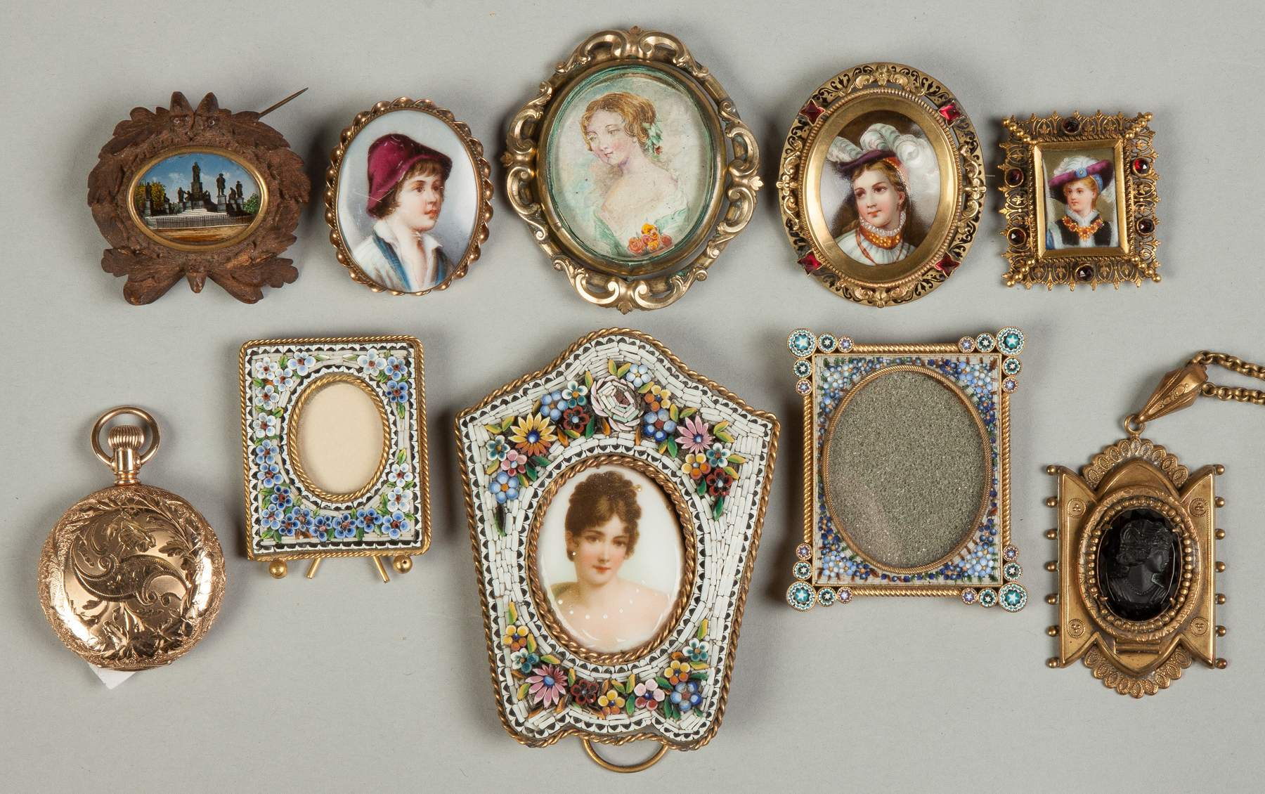 Various Miniature Frames, Brooches, etc. | Cottone Auctions
