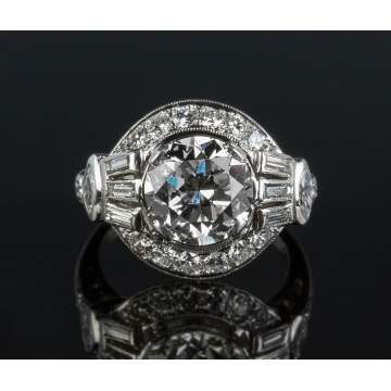 Ladies Platinum and Diamond Vintage Ring
