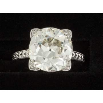 Platinum Antique Style Diamond Solitaire Engagement Ring
