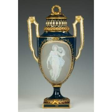 Fine Meissen Pate-sur-Pate Covered Urn