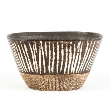 Lucie Rie (English, 1902-1995) & Hans Coper  (English, 1920-1981) Fine and Rare Decorated Stoneware Bowl