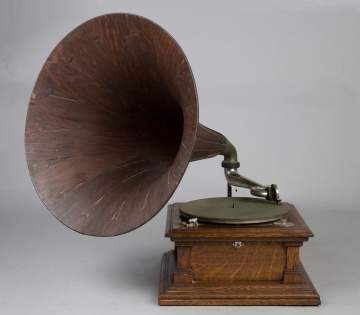 Victor Phonograph