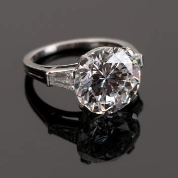Fine Vintage Tiffany & Co., New York, 5.25 Carat Diamond Ring