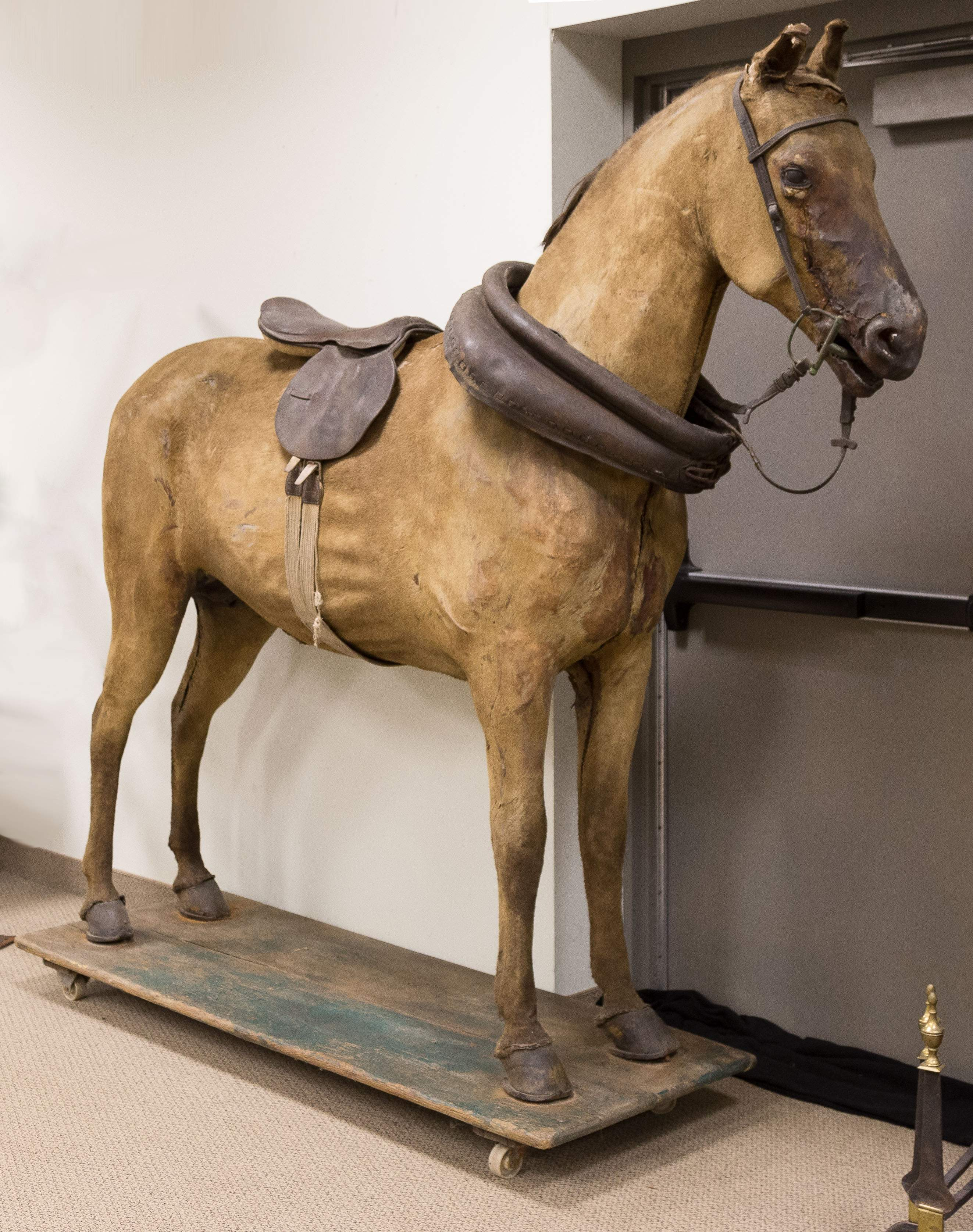 Tack Shop Horse Display   Cottone Auctions