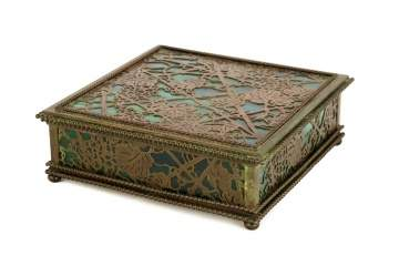Tiffany Studios , New York, Grapevine Covered Box