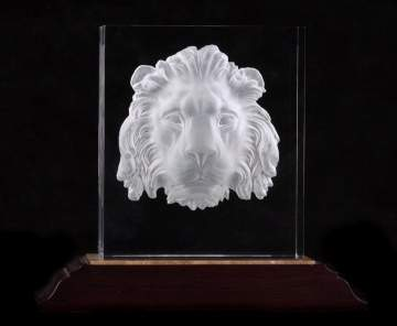 Steuben Regal Lion with Base