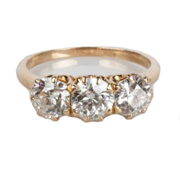 Lady's 14K Gold & Diamond Ring