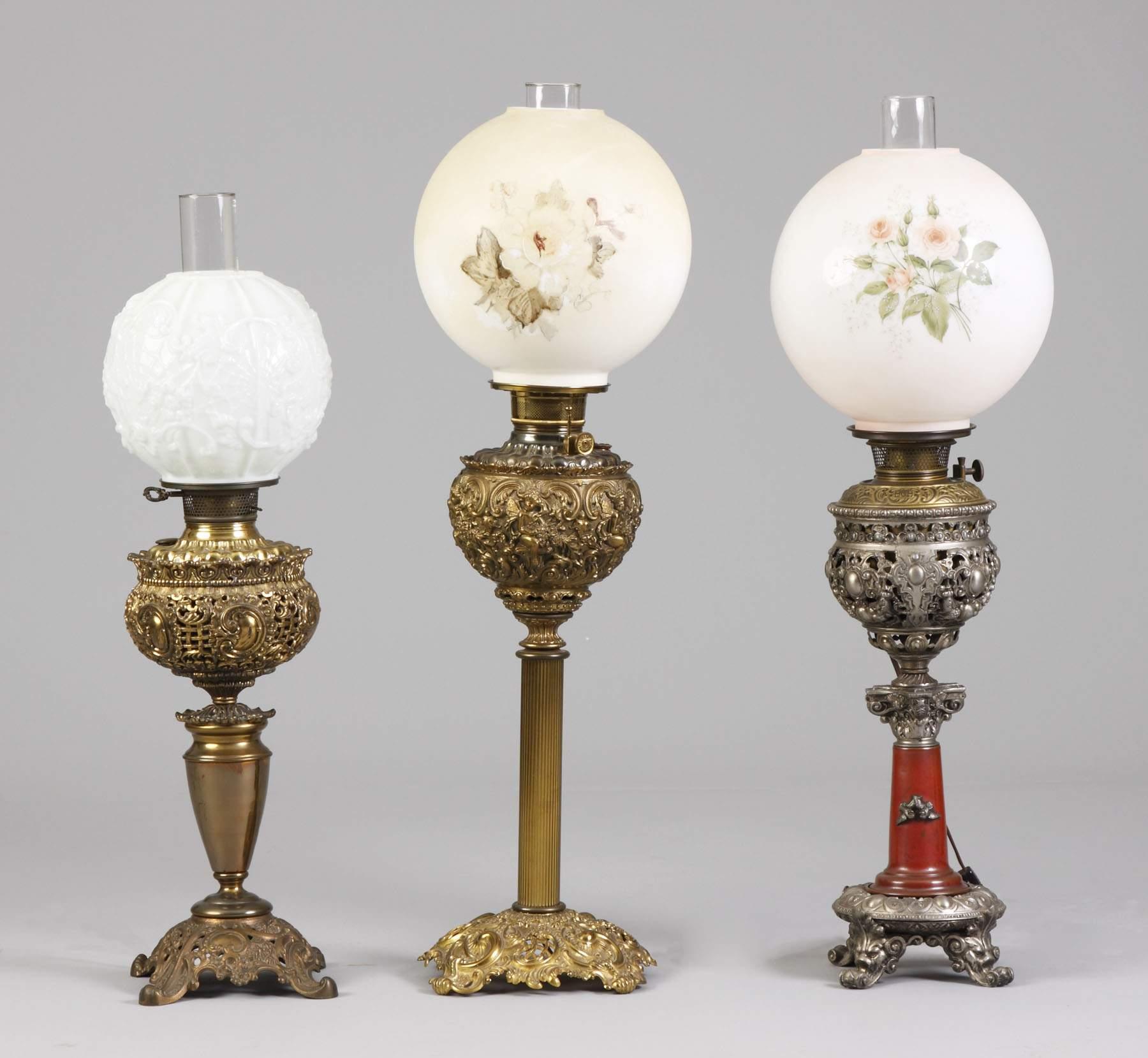 L - Victorian Brass Banquet Lamp, C - Victorian Brass Banquet Lamp ...