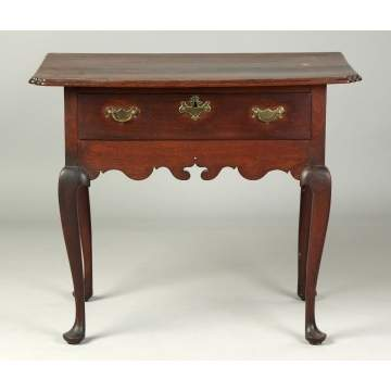 Fine Philadelphia Area Queen Ann Dressing Table