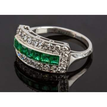 Ladies Vintage Platinum, Diamond & Emerald Ring